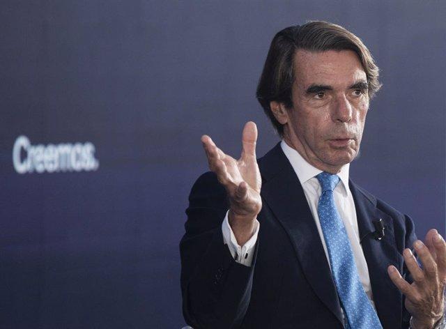 El expresidente del Gobierno José María Aznar, durante su intervención en la convención sobre 'La fortaleza de las instituciones' en el marco de la Convención Nacional del PP. A 30 de septiembre de 2021, en Sevilla (Andalucía, España). La convención nacio