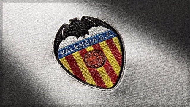 Archivo - El escudo del Valencia CF