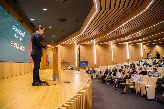 Iker Casillas durante su intervención para presentar Sportboost