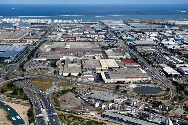 Archivo - Arxiu - La planta de Nissan a la Zona Franca de Barcelona