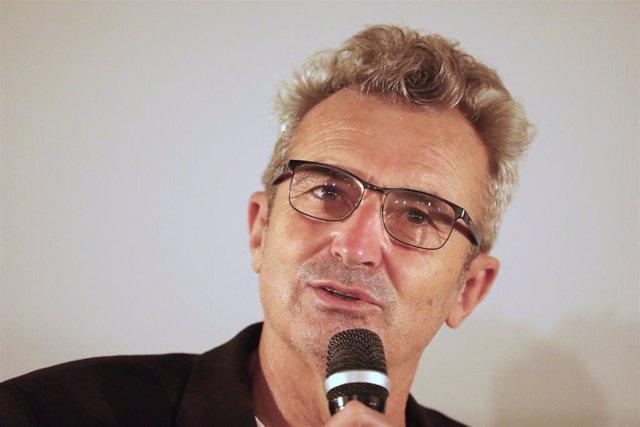 El director de la Academia de Cine,  Mariano Barroso, interviene el día en el que se han anunciado la lista de las películas españolas preseleccionadas para los premios Oscar, en la Academia de las Artes y las Ciencias Cinematográficas de España, a 14 de