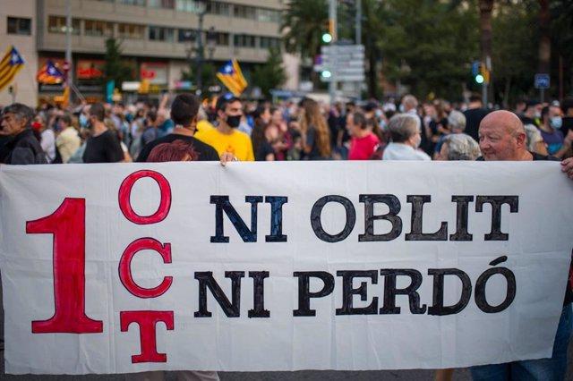 Manifestació pel quart aniversari de el 1-O a la plaça Francesc Macià de Barcelona.