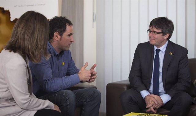 Archivo - Reunión de Gure Esku Dago con Puigdemot