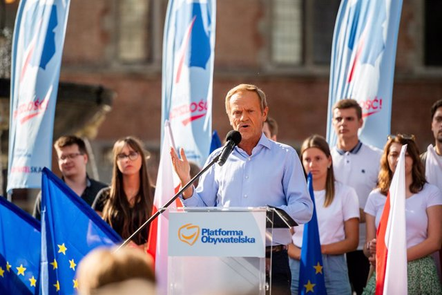 Archivo - 19 July 2021, Poland, Gdansk: Former Polish Prime Minister and Leader to the Civic Platform party Donald Tusk speaks during a political rally at the Long Market in Gdansk for the parliamentary elections in 2023. Photo: Mateusz Slodkowski/SOPA Im