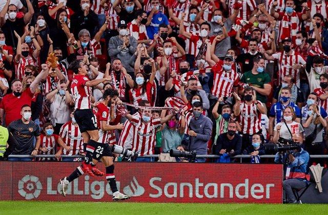 Raul Garcia del Athletic Club celebra un gol ante el Alavés