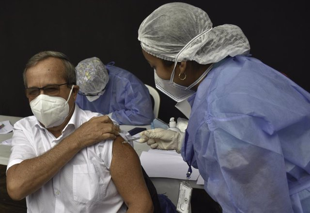 Archivo - May 24, 2021, Lima, Peru: Vaccination of adults aged 65 to 69 years according to Arturo Granados, spokesman for Minsa, are currently taking place in Lima, Peru. 62 immunization centers have been implemented that will be distributed in 50 distric