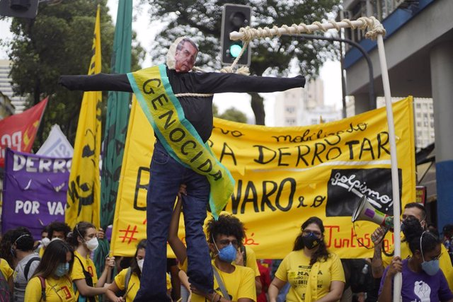 Manifestación contra Jair Bolsonaro en Río de Janeiro, Brasil