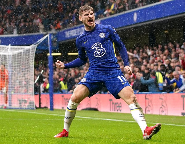 02 October 2021, United Kingdom, London: Chelsea's Timo Werner celebrates scoring his side's second goal before it being overturned by VAR during the English Premier League soccer match between Chelsea and Southampton at Stamford Bridge. Photo: Tess Derry
