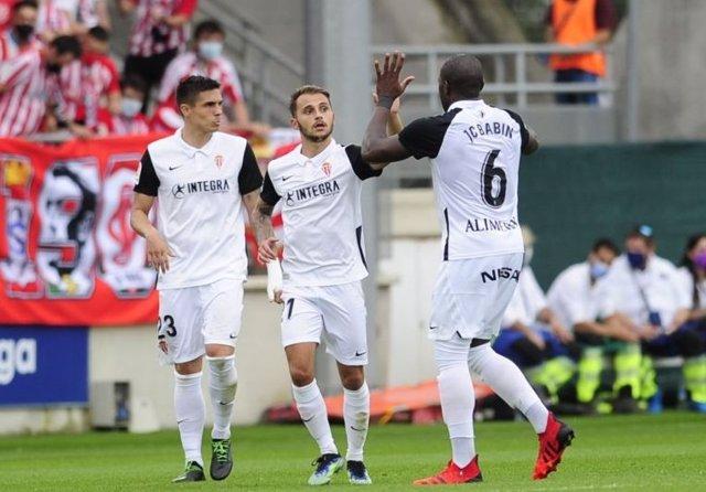 El Sporting rescata un empate en su visita al Amorebieta en el tramo final del partido
