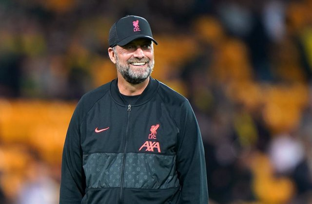 21 September 2021, United Kingdom, Norwich: Liverpool manager Jurgen Klopp is seen before the start of the English Carabao Cup third round soccer match between Norwich City and Liverpool at Carrow Road Stadium. Photo: Joe Giddens/PA Wire/dpa