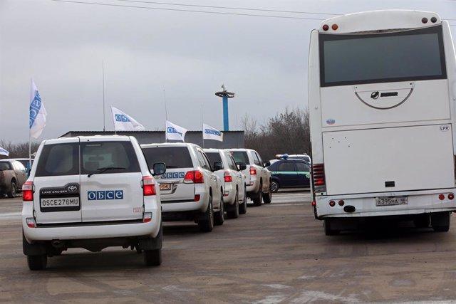 Vehículos de la misión de observadores de la OSCE