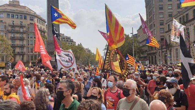 Manifestació a Barcelona per commemorar el quart aniversari de el 1-O