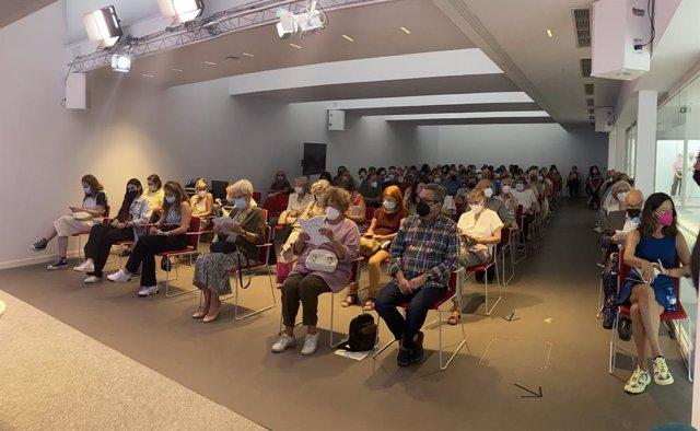 Público en una de las actividades celebradas en el Centro Cultural La Malagueta, dependiente de la Diputación de Málaga