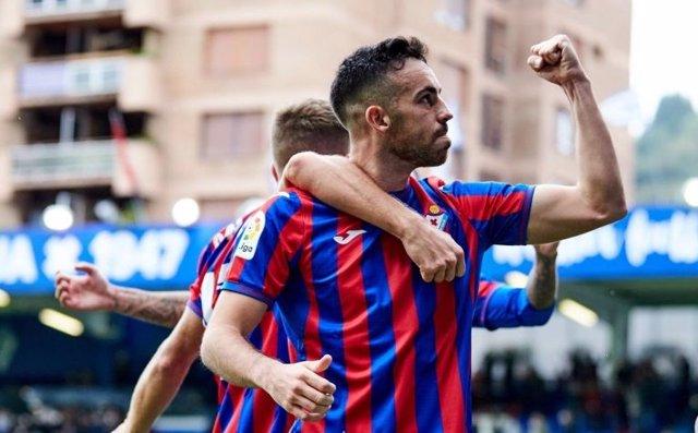 El Eibar vence al Ibiza y se consolida en posiciones de 'playoff' en la Liga Smartbank