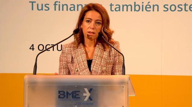 La vicepresidenta de la Comisión Nacional del Mercado de Valores (CNMV), Montserrat Martínez Parera, durante el toque de campana por la educación financiera.