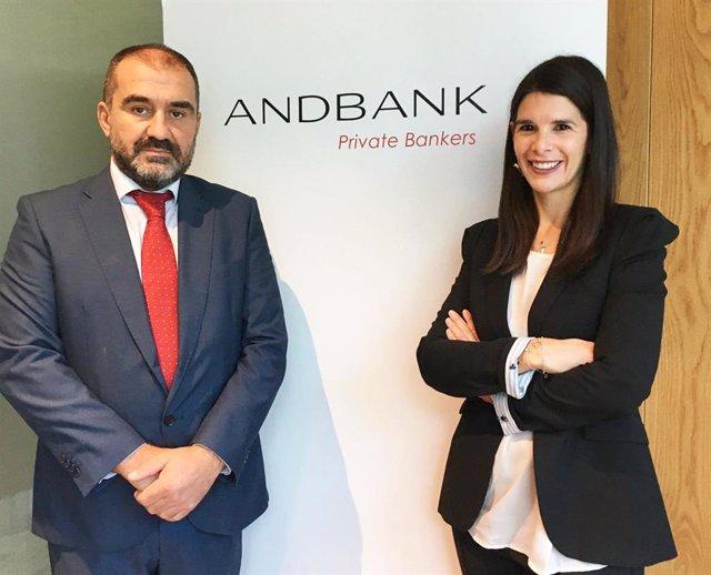 Archivo - Enrique Feito y a Maite García a su red de agentes financieros en Madrid, nuevos agentes financieros de Andbank España.