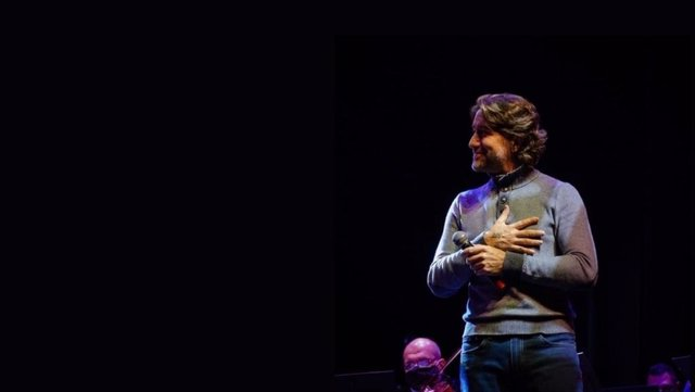 El poeta y cantautor Carlos Alberto Palacio