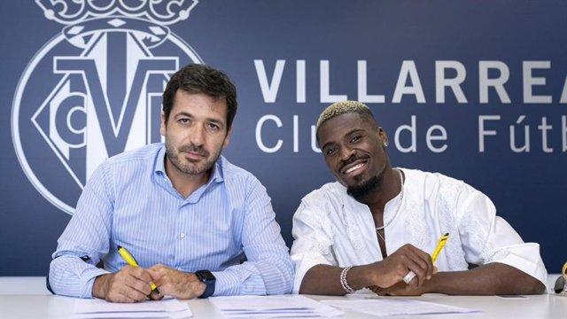Aurier ficha por el Villarreal
