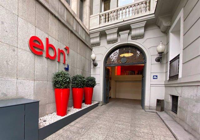 Archivo - Entrada de la sede de EBN Banco en Madrid, en el Paseo de Recoletos.