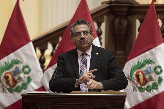 Archivo - El expresidente de Perú, Manuel Merino.