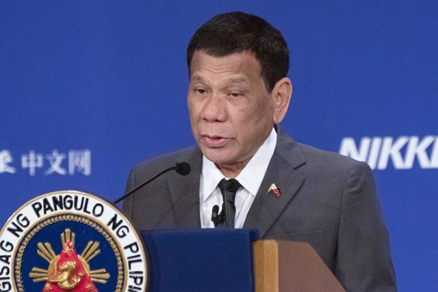 Archivo - Rodrigo Duterte, en un acto en Tokio