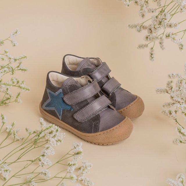 Carrilé zapatos para bebés