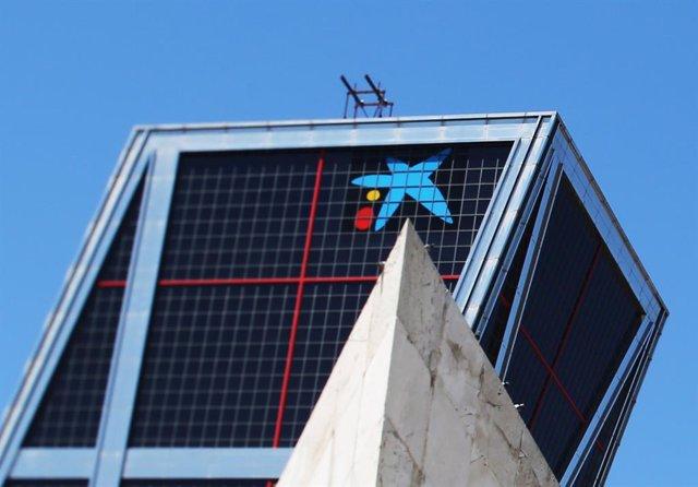 Archivo - La sede nacional de Caixabank, a 8 de julio de 2021, en Madrid (España).