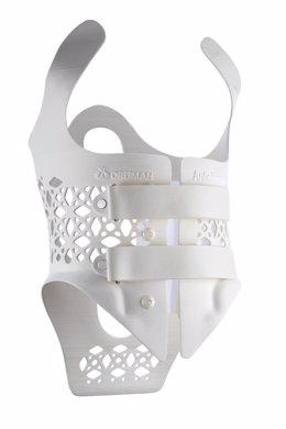 Archivo - Orliman presenta el primer corsé ortopédico fabricado con tecnología 3D.