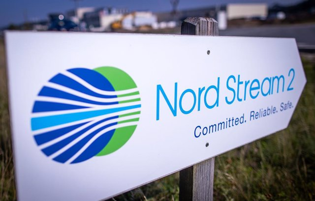 Archivo - FILED - 16 September 2020, Mecklenburg-Western Pomerania, Lubmin: A signpost stands in front of the natural gas receiving station of the Nord Stream 2 Baltic Sea pipeline. The controversial Nord Stream 2 pipeline has started being filled with ga