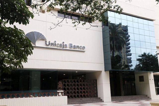 Archivo - Sede de Unicaja Banco Economía grupo entidad bancaria financiera málaga