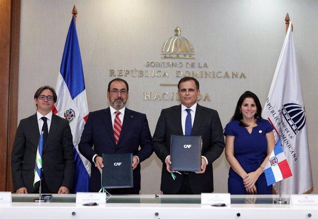 Archivo - Firma del convenio por el que República Dominicana pasa a ser miembro pleno de CAF