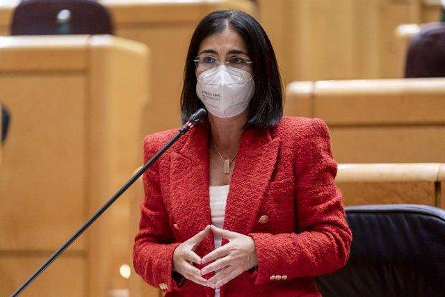 La ministra de Sanidad, Carolina Darias, interviene en una sesión de control al Gobierno en el Senado, a 5 de octubre de 2021, en Madrid, (España). El Senado celebra este martes una nueva sesión de control al Gobierno, donde los ministros deben responder