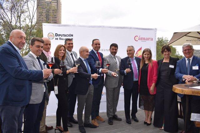Expedición de la Diputación y la Cámara de Comercio en México.