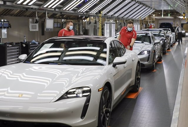 Archivo - Fábrica de vehículos de Porsche.