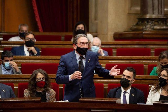 El conseller d'Economia de la Generalitat, Jaume Giró, en la sessió de control al Parlament