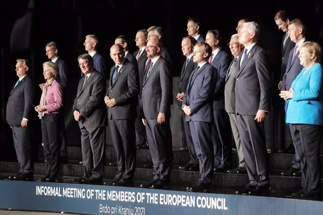 05 October 2021, Slovenia, Kranj: EU leaders and Heads of state pose for a group photo during the EU-Western Balkans summit at Brdo Castle. Photo: Nebojsa Tejic/STA/dpa