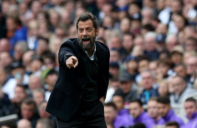 Archivo - 19 October 2019, England, London: Watford's manager Quique Sanchez Flores gestures on the touchline during the English Premier League soccer match between Tottenham Hotspur and Watford at Tottenham Hotspur Stadium. Photo: Jonathan Brady/PA Wire/
