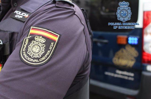 Arxiu - Un agent de la Policia Nacional