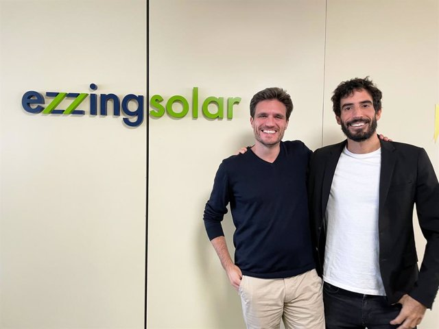Alberto Cortés y Victor Sancho, socios fundadores de Ezzing Solar