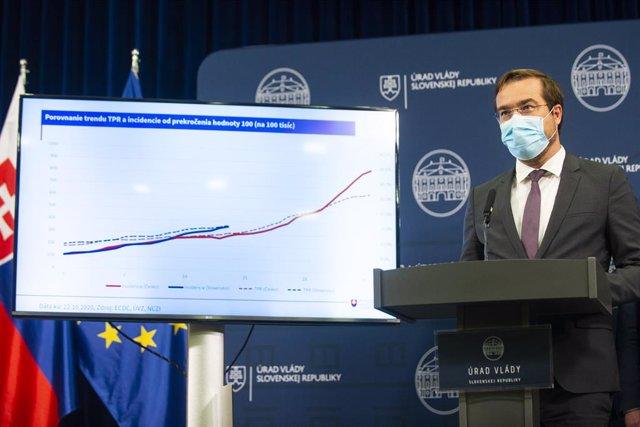 Archivo - El ministro de Sanidad de Eslovaquia, Marek Krajci