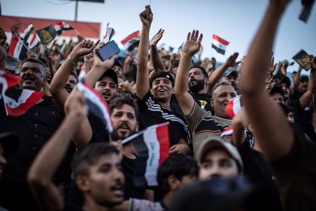 05 October 2021, Iraq, Baghdad: Supporters of the Iraqi Fatah coalition, which is connected to the pro-Iranian militias, attend a party rally ahead of the upcoming Iraqi parliamentary elections, which are scheduled to be held on October 10th. Photo: Olive