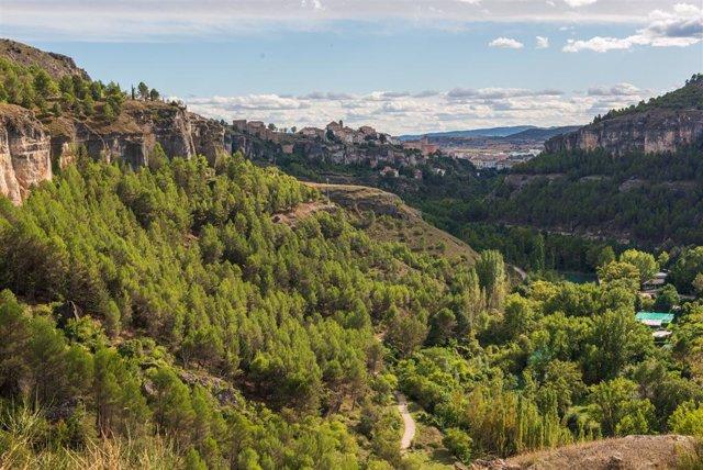 Paisaje de la Hoz del Huécar, horas antes de que comience el otoño, a 22 de septiembre de 2021, en Cuenca, Castilla-La Mancha (España). Este miércoles a las 21:21 horas comienza el otoño, una nueva estación que precede al invierno y que tendrá una duració