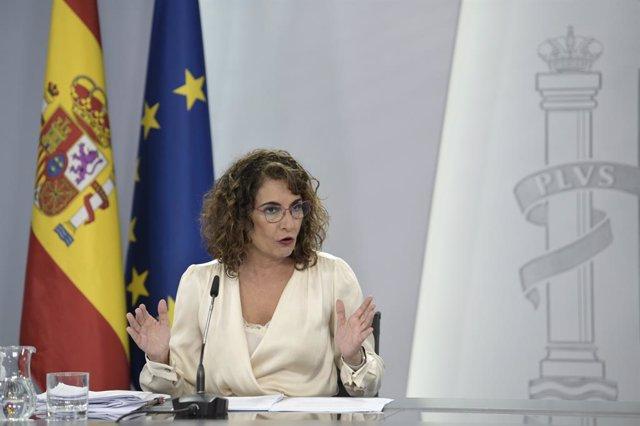 Arxiu - La ministra d'Hisenda, María Jesús Montero