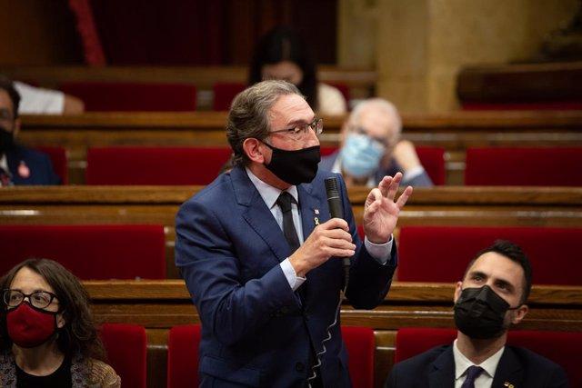 Arxiu - El conseller d'Economia i Hisenda, Jaume Giró, al Parlament de Catalunya