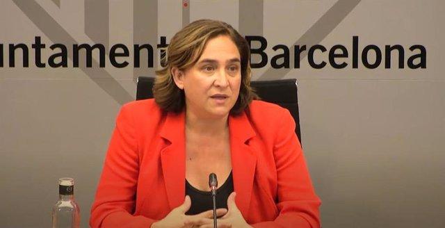 L'alcaldessa de Barcelona, Ada Colau, en roda de premsa