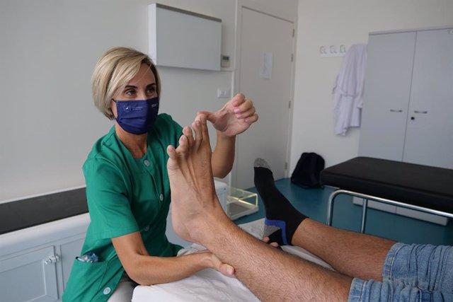 Identifican qué factores influyen en la aparición de lesiones dermatológicas en el pie durante el senderismo