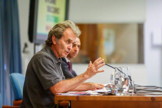 Archivo - El director del Centro de Coordinación de Alertas y Emergencias Sanitarias, Fernando Simón, durante una rueda de prensa.