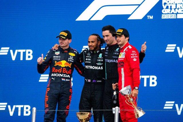 VERSTAPPEN Max (ned), Red Bull Racing Honda RB16B, portrait HAMILTON Lewis (gbr), Mercedes AMG F1 GP W12 E Performance, portrait SAINZ Carlos (spa), Scuderia Ferrari SF21, portrait during the Formula 1 VTB Russian Grand Prix 2021, 15th round of the 2021 F
