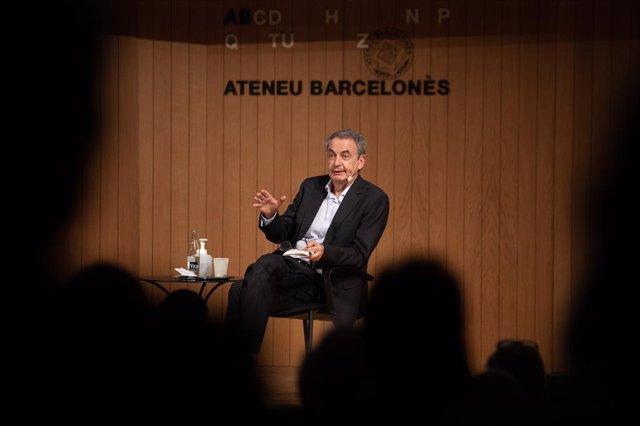 L'expresident del Govern José Luis Rodríguez Zapatero en la presentació del seu llibre