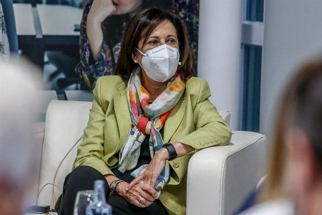 La ministra de Defensa, Margarita Robles, en la jornada de debate 'Jueves de actualidad', a 7 de octubre de 2021, en Madrid (España). La ministra de Defensa interviene este jueves en esta jornada de debate con la ponencia 'El papel de las Fuerzas Armadas